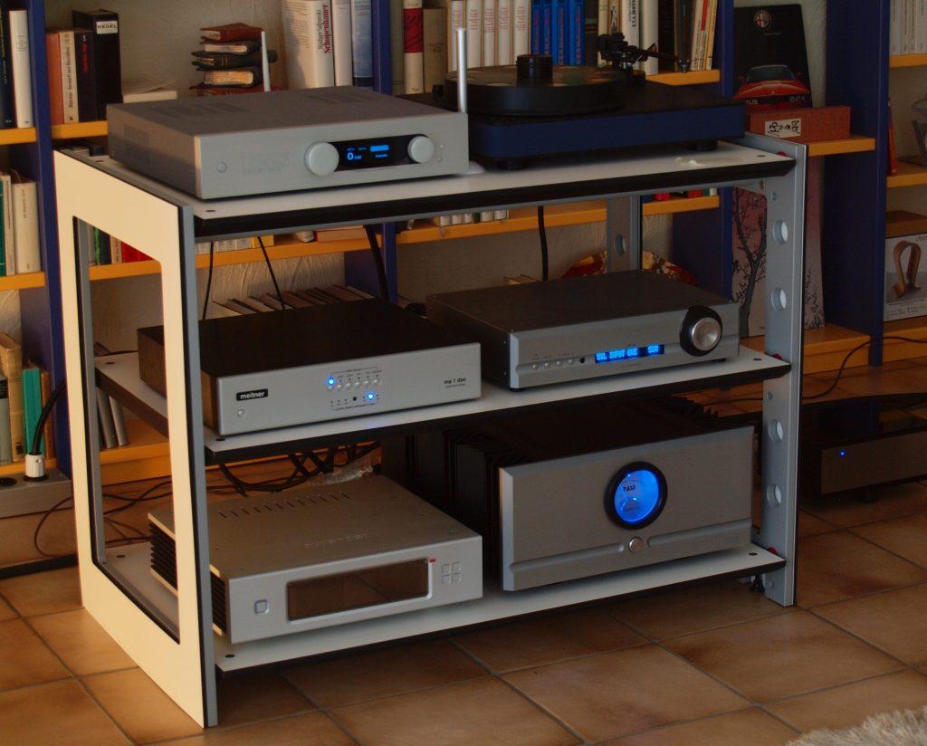 aut-studio-ito-rack-#1